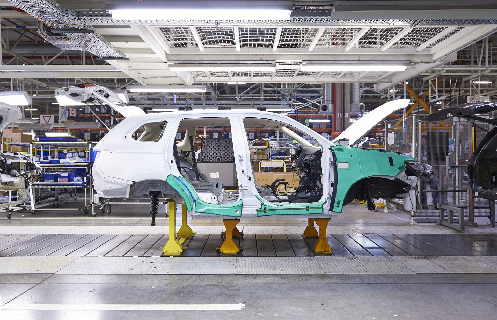 car_factory_img3